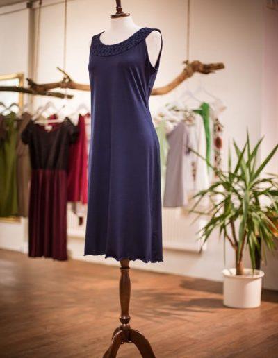 Jerseykleid, Spitze, Wasserfall, Alltagskleid, maßgeschneidert (2)